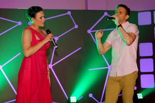 Foto Marius Nortje Veronique Lalouette en Jacques Terre'Blanche sing saam 'n douette